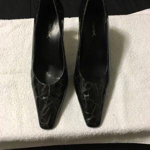 J.Renee' black dress heel shoe, silver heel, Sz 9